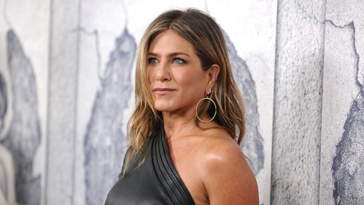 Jennifer Aniston Worried She Insulted Dolly Parton by Naming Dog After Singer