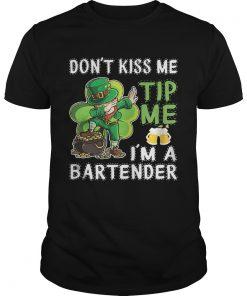 Guys Leprechaun dabbing dont kiss me tip me Im a bartender shirt