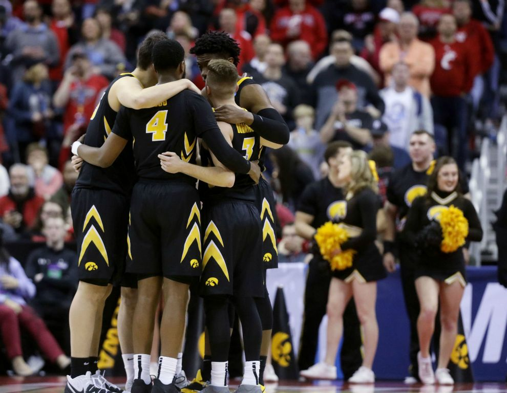 Iowa men's basketball has its best 20 minutes in a meaningful game in ages