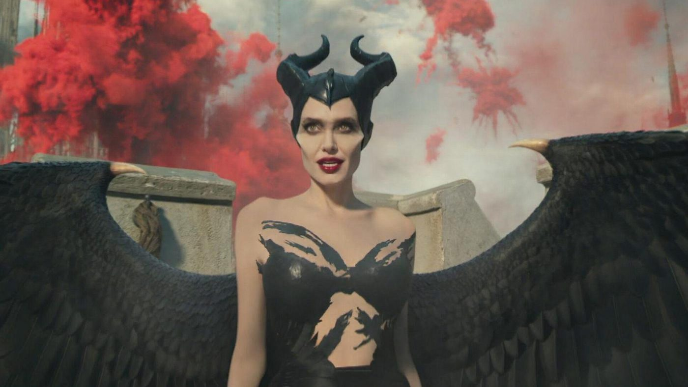 Angelina Jolie Faces Off Against Michelle Pfeiffer in 'Maleficent Mistress of Evil' Trailer