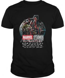 Guys MARVEL STUDIOS THE FIRST ELEVEN YEARS ALL CHARACTERS' SIGNATURE AVENGERS SHIRT