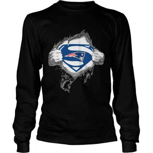 Superman New England Patriots logsleve tee