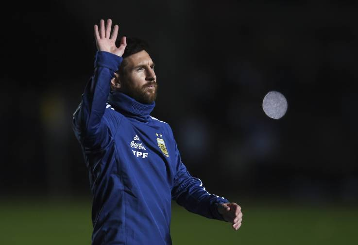 Lionel Messi of Argentina greets the fans before a friendly match between Argentina and Nicaragua at Estadio San Juan del Bicentenario on June 7 in San Juan, Argentina.