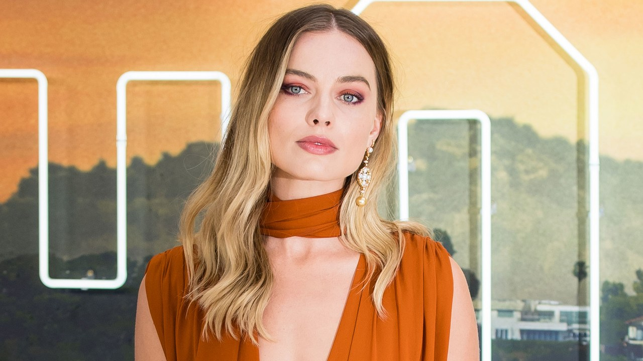 Margot Robbie's Groovy Look Channels Sharon Tate
