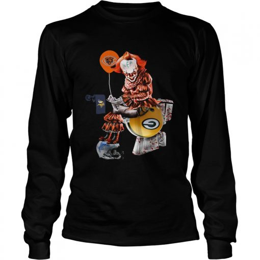 newest f2132 729d7 Pennywise Chicago Bears sitting toilet Green Bay Packers shirt