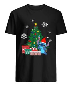 Stitch Around The Christmas Tree  Classic Men's T-shirt