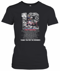 12 Tom Brady New England Patriots 2000 2020 Signature Thank You For The Memories T-Shirt Classic Women's T-shirt