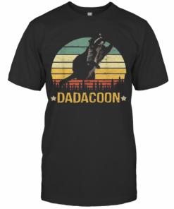 Beautiful Dadacoon Raccoon Fathers Day 2020 Sunset T-Shirt Classic Men's T-shirt