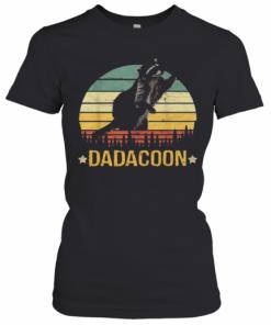 Beautiful Dadacoon Raccoon Fathers Day 2020 Sunset T-Shirt Classic Women's T-shirt