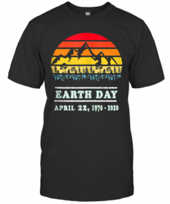 Earth Day April 22, 19702020 Vintage 50Th Earth Day T-Shirt Classic Men's T-shirt