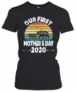 First Mothers Day Mom Baby Bear Retro Sunset New Mom T-Shirt Classic Women's T-shirt