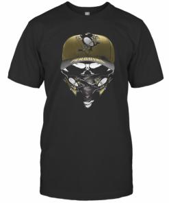 Skull Mask Pittsburgh Penguins Hockey Logo T-Shirt Classic Men's T-shirt