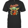Baby Yoda Hug Baltimore Orioles Logo T-Shirt Classic Men's T-shirt