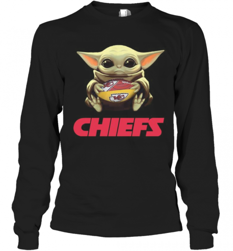 Baby Yoda Hug Kansas City Chiefs Football T-Shirt Long Sleeved T-shirt
