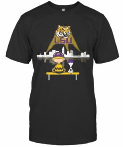 Charlie Brown And Snoopy Lsu Tigers Football T-Shirt Classic Men's T-shirt