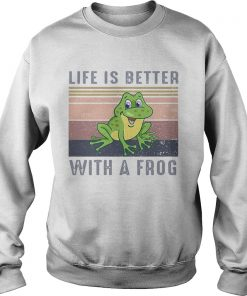 Life Is Better With A Frog Vintage Retro  Sweatshirt