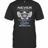 Never Underestimate The Power Of A Cubs Woman T-Shirt Classic Men's T-shirt