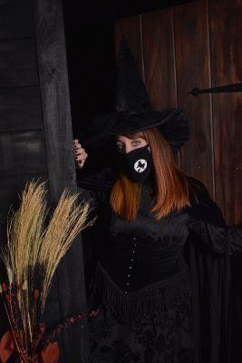 @halloweenhappy in a custom Witch Pix mask