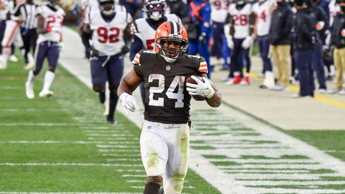 Nick Chubb's decision at 1-yard line costs bettors as Cleveland Browns fail to cover 4.5-point spread